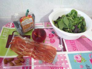 Insalata con pesche e speck - ingrediemti-300x225