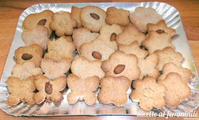 Biscotti mandorle, avena e farro - P2291844-1-766x462