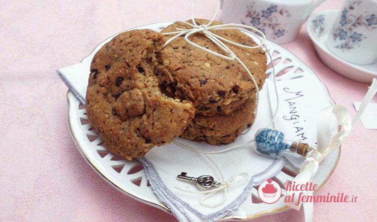 Cookies senza burro con gocce di cioccolato - immagine-evidenza-ricettealfemminile-2Copia-766x452