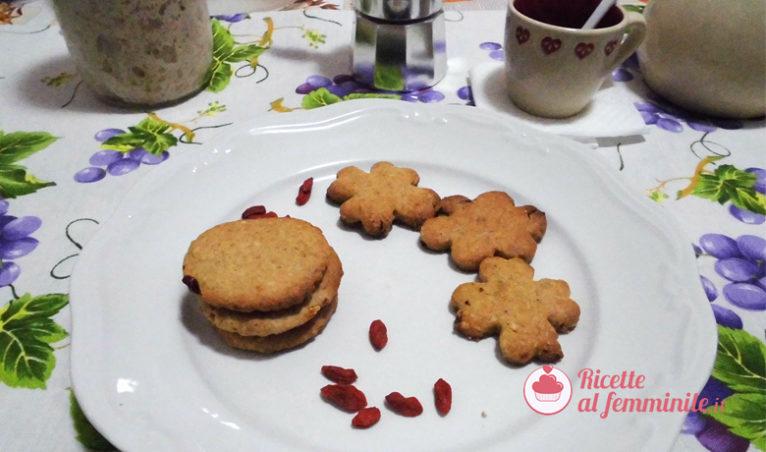 Biscotti con lievito madre e bacche di goji - biscotti-con-lievito-madre-e-bacche-di-goji-766x452