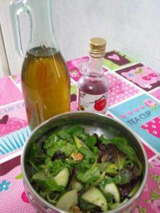 insalata con prugne e mela verde