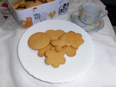 Biscotti di farina di ceci – senza glutine e senza lattosio