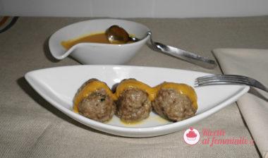 Polpette di carne a varoma con salsa alla zucca