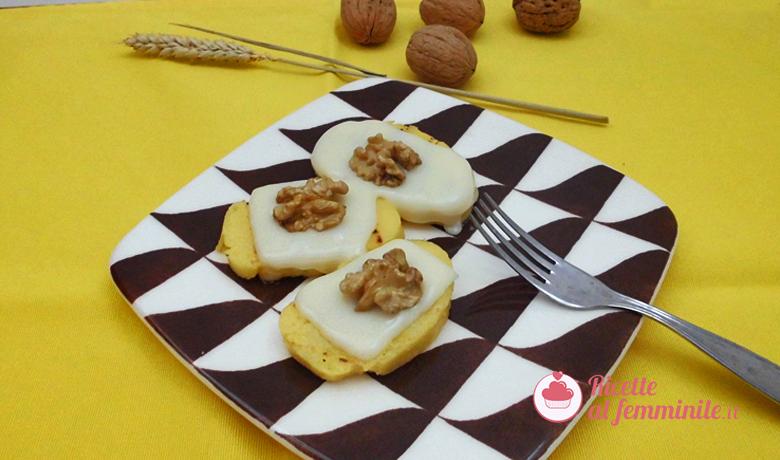 Crostini di polenta con formaggio e noci 5