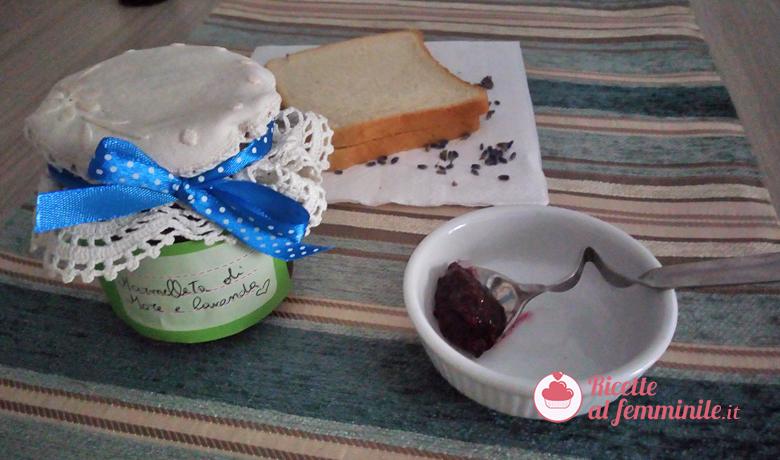 Marmellata di more con bimby al profumo di lavanda 1