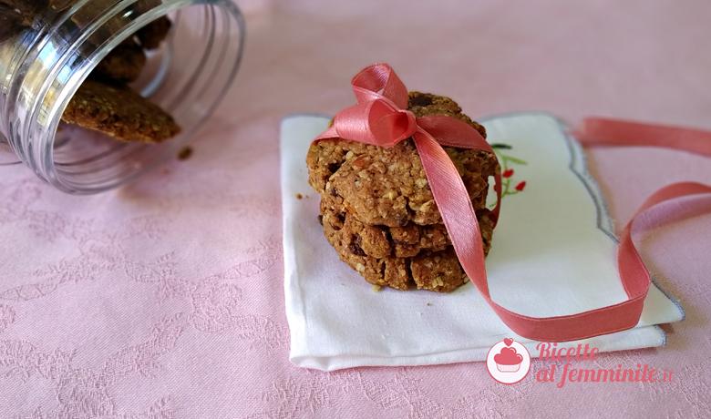 Biscotti con farina di fragole e cioccolato senza uova 1